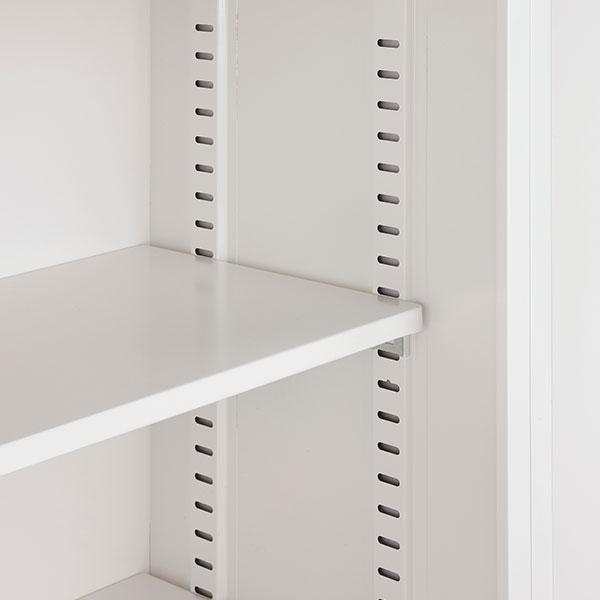 棚板は30mmピッチに上下稼働するので、用途に応じてお好みの高さに設定できます。