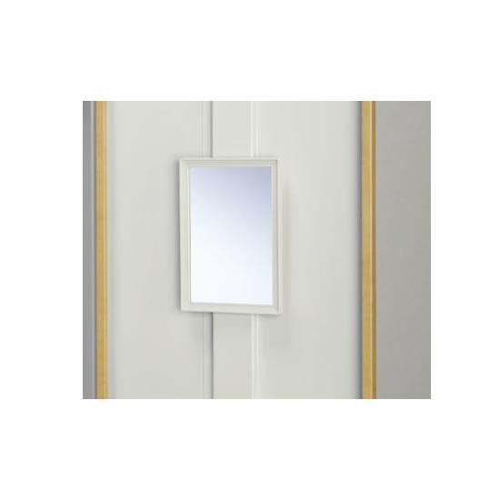 鏡は使用する人の身長に合わせて2段階の高さ調節が可能です。