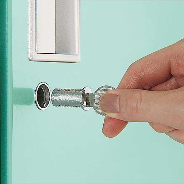 チェンジキーシステム(内筒交換)は錠前の内筒を交換することで鍵番号の変更が可能なタイプです。セキュリティの管理機能が高まります。