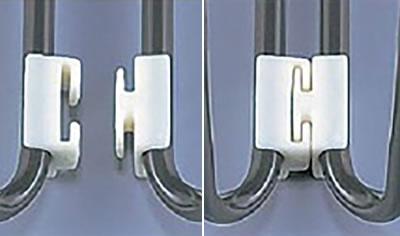 脚部の4か所にあらかじめ連結用パーツが備わっており、横一列のレイアウトがきれいに作れます。