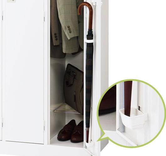 1段タイプには扉の裏に傘立てと滴受も付属しており、置き傘や雨の日にも安心です。