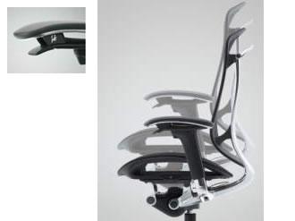 コンテッサチェアは、右肘のレバーで座面の高さを調節可能です。