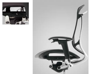 座りやすさの秘訣である奥行調節。膝裏を圧迫せず安定感のある、使用者の体型にジャストな位置に設定しておけます。
