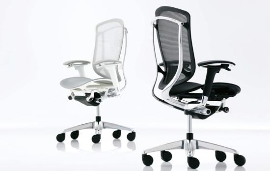 オカムラを代表するチェアのひとつ、コンテッサシリーズの新作、コンテッサセコンダ。どんな人にも最高の座り心地を長く獲得していただける、世界水準の強度と座り心地を備えたオフィスチェアーです。