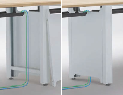 増連用のデスクに付属する中間脚は縦方向のダクトとして使用可能で、足元もすっきり。