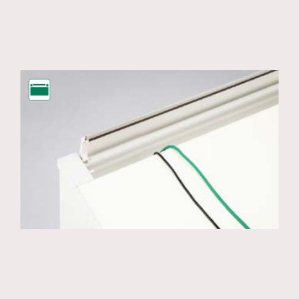 開閉式配線カバー ブル類を机面に取り出すことができます。