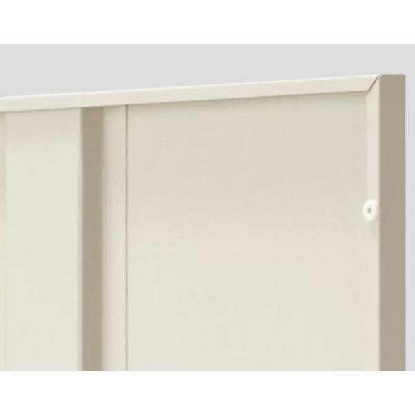 扉にはスチール特有の金属音をやわらげるため、また商品をキズつけず、長持ちさせるため扉裏に戸当りクッションを採用しています。